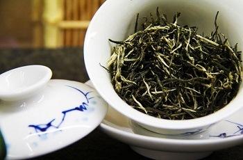 зеленый чай Маоцзянь